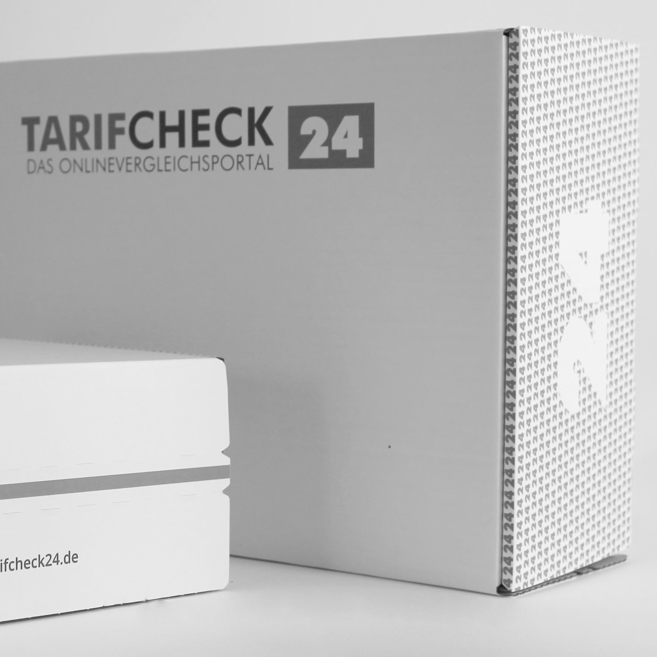 MEAU DESIGN - farbenfrohe Illustrationen und aufgeräumte Grafikdesigns, Vorschaubild Portfolio, Referenzen, TarifCheck24 Versandkartons, Packaging Design, Verpackungsdesign